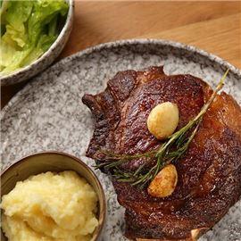 Beef steak at Floor No 2 Restaurant located in Warsaw Marriott Hotel